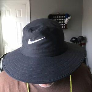 Nike Accessories - Nike Golf Sun Hat e32dac75e29